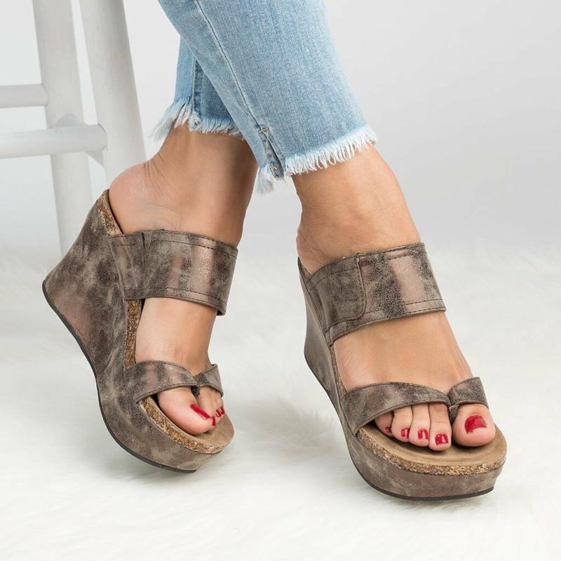 4006d571 Compre Europa Verano Mujer Zapatillas Cuñas Sandalias Chanclas Zapatillas  De Tacón Alto Plataforma Mujer Moda Más Tamaño 35 43 Zapatos De Mujer A  $42.52 Del ...