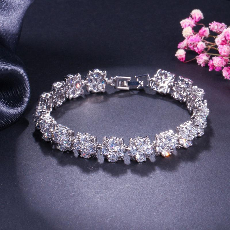 wholesale Fashion Bracelets For Women Girl Fill Austria Zircon Crystal wedding engagement Flower Charm Jewelry Bracelet bangle Gift