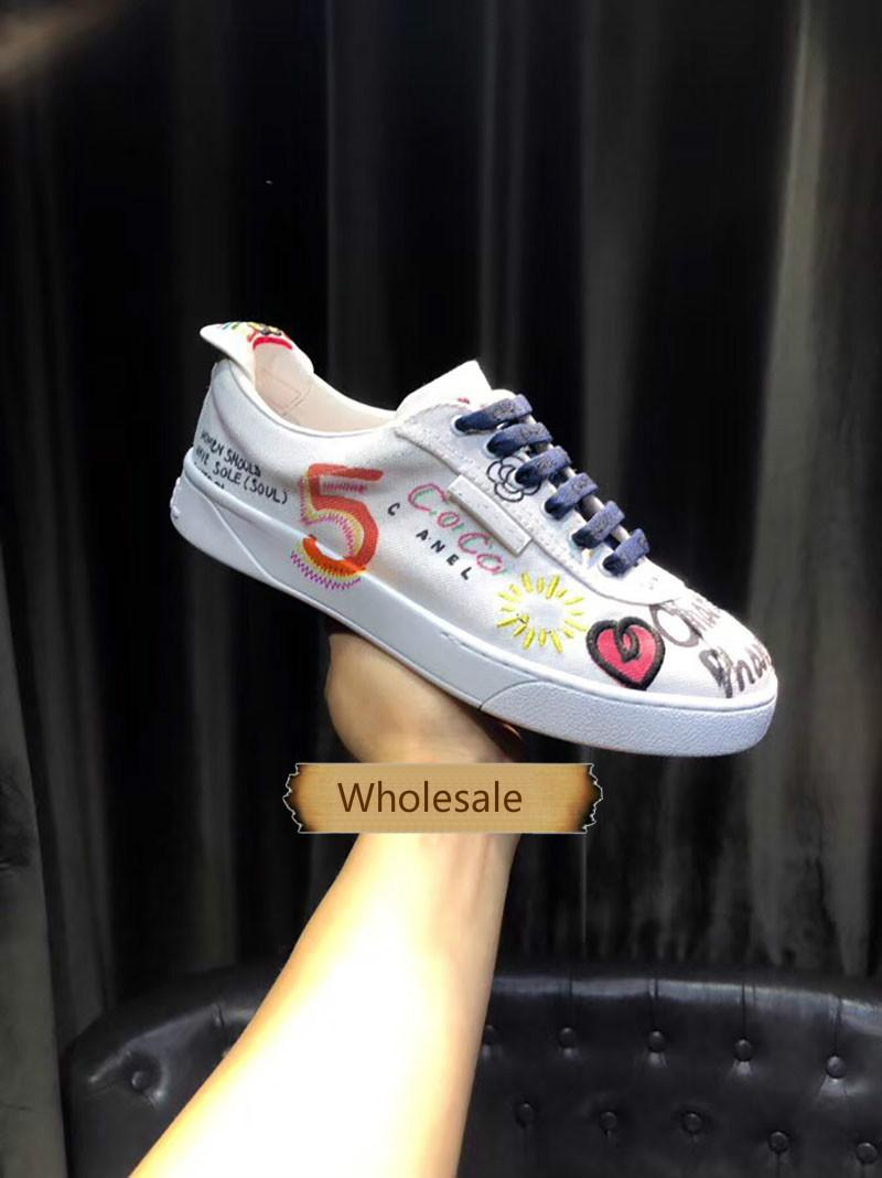 dd49804c7d Graffiti Small White Shoes European Station 2019 Explosive Letter Tap  Canvas Leisure Board Shoes for Men and Women Wholesale A 011