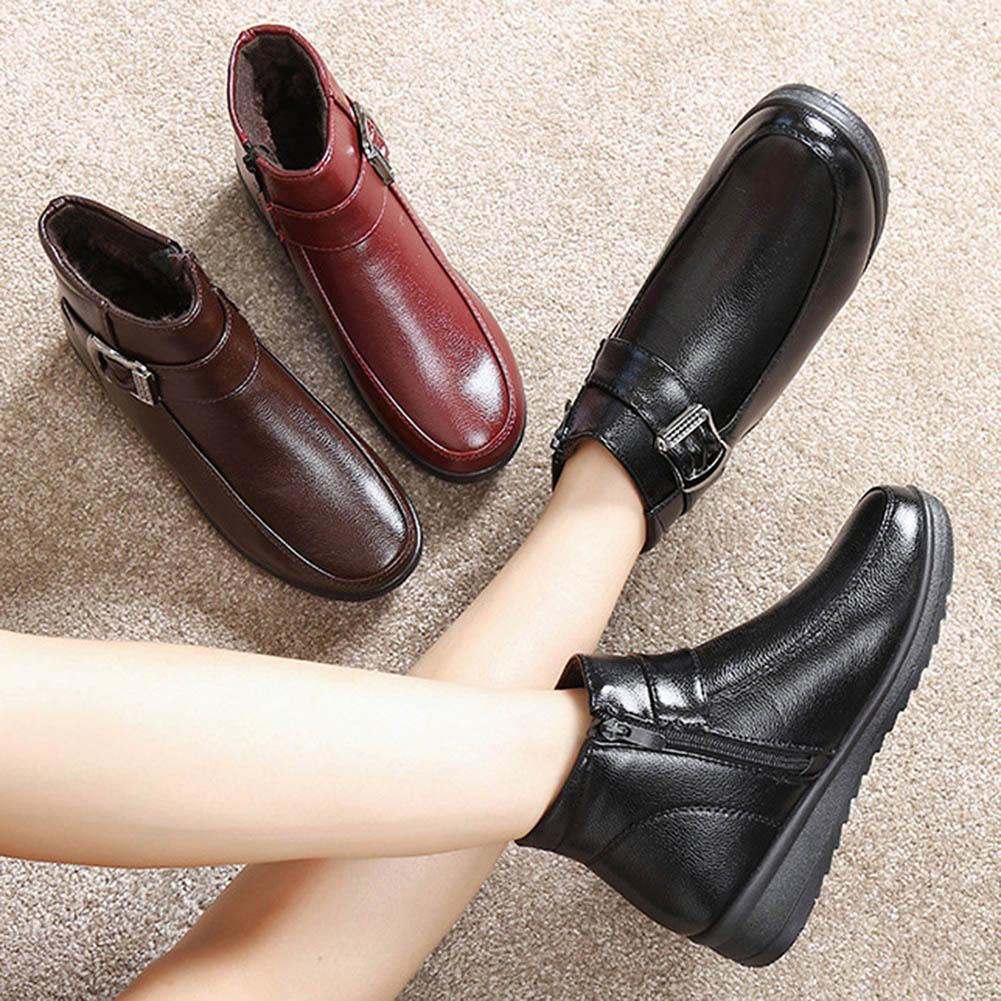 957adb3af98 YJSFG HOUSE 2018 Winter Women Shoes Soft leather Flat ankle Boots Elderly  Warm Snow Boots Fur lined Mother Shoes Women