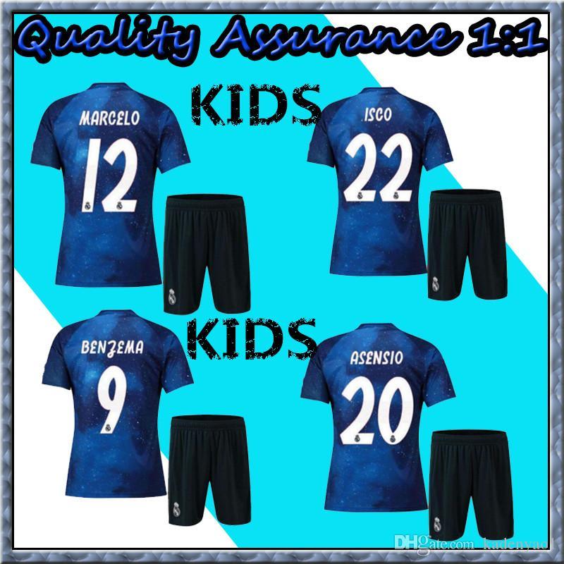 Compre 2019 Real Madrid Edição Limitada De Futebol Jersey Azul EA Sports  Camisolas   12 MARCELO   10 MODRIC Real Madrid Versão Especial Camisas Para  ... 306dc073f800a