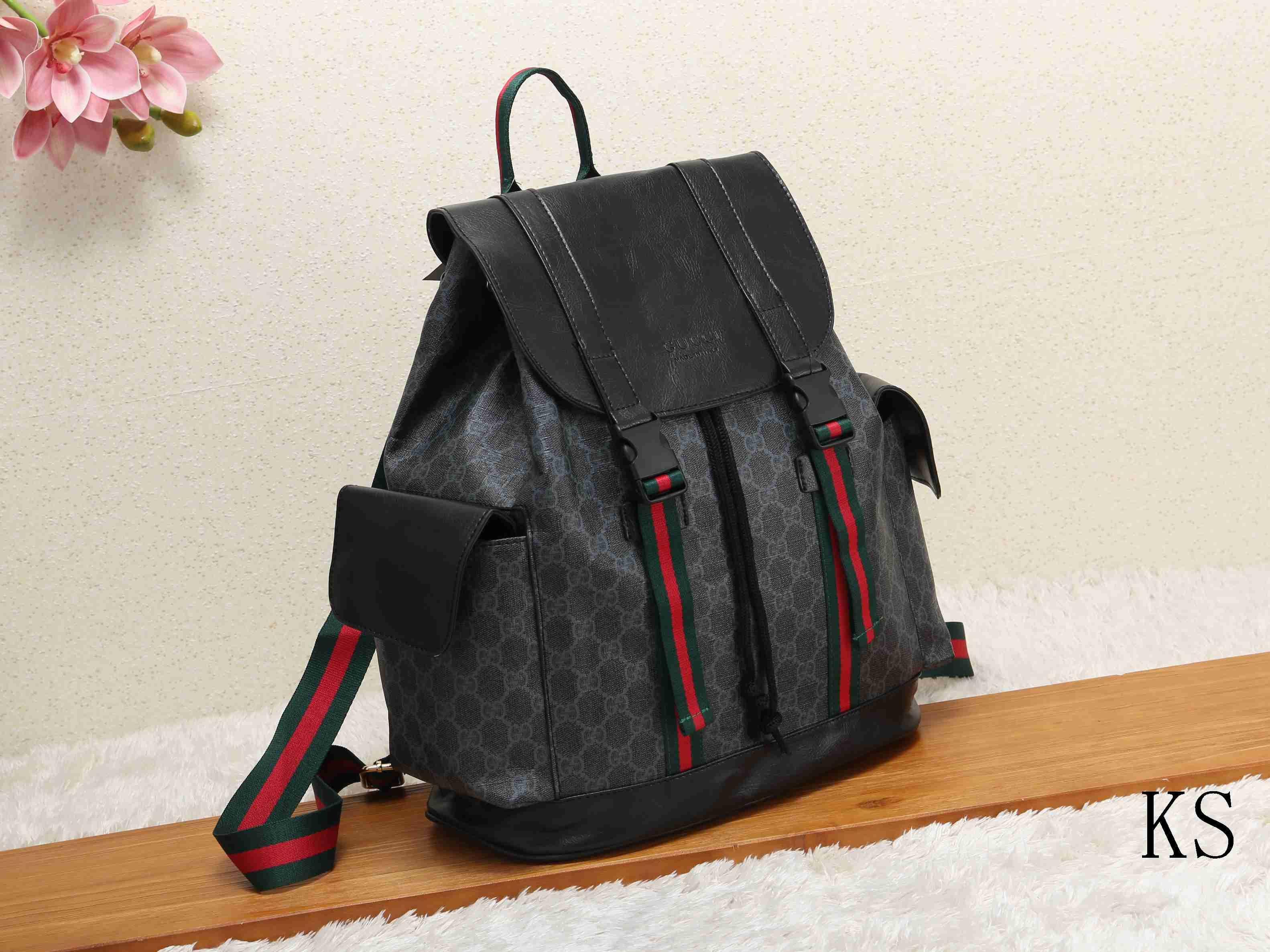 d30640aba3ec0 Gucci Louis Vuitton Yves Saint Lauret Chanel Shoulder Bags ...