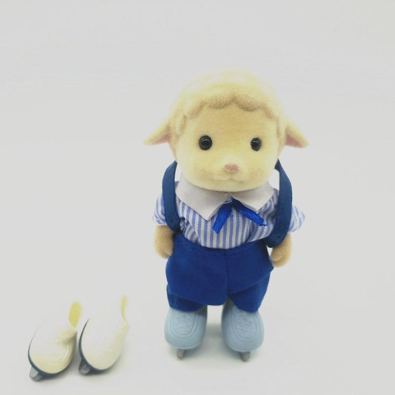 Divertente personaggio dei cartoni animati delle pecore con la