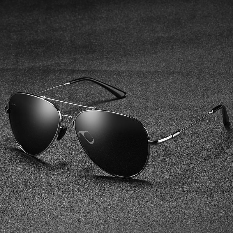 ec701b952 Compre 2019 Memória De Metal Ultravioleta Resistente Sunglasse Óculos De Sol  Do Vintage Mulheres Polarizada Óculos De Sol Dos Homens Motorista De  Condução ...