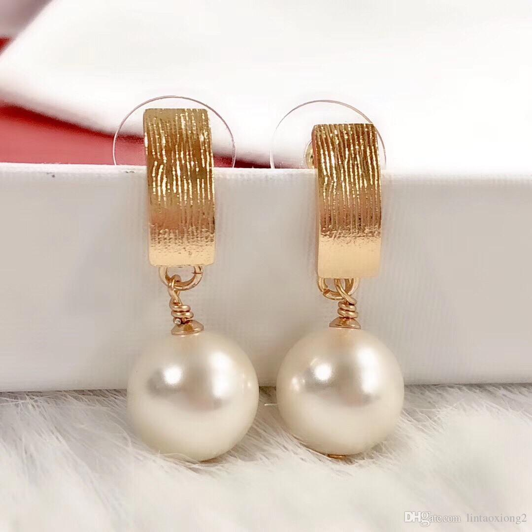 Entworfen von einem Schmuckdesigner, Fashion Classic Female Design, High-End-Geschmack, Originalverpackung, Free Freight, Female Ear Nail Earrings 32