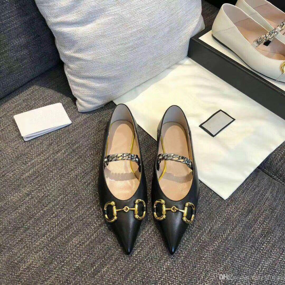 2020 yazında yeni tasarımcı kadın elbise ayakkabı% 100 deri moda markası Sivri ayakkabılar Metal lüks mektup bayan Düz Casual ayakkabılar boyutu 35-41