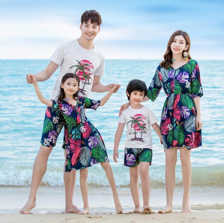 26e9fb8afc Beach Family Matching Outfits Look Mother And Daughter Dresses Mommy And Me  Clothes Father Son Clothing Set Summer Dress Clothes Mother And Baby  Matching ...