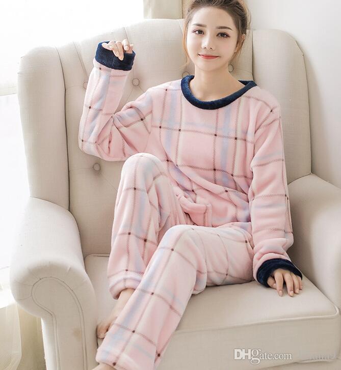 47337d028b1316 Outono e inverno versão coreana do pijama das mulheres set novo dos  desenhos animados pijama de flanela mulheres coral veludo set cabeça  desgaste em ...