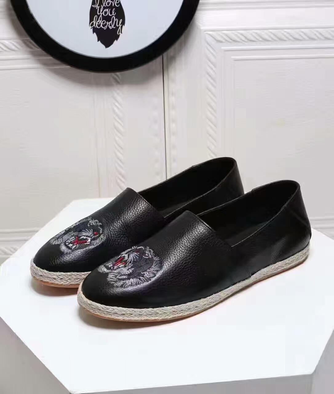 3f15aa4ca50 Compre Venta Al Por Mayor De Los Hombres De Ante Sperrys Top Sider  Mocasines Zapatos Para Hombre Azul Gamuza Barco Mocasines Hechos A Mano  Zapatos De Cuero ...