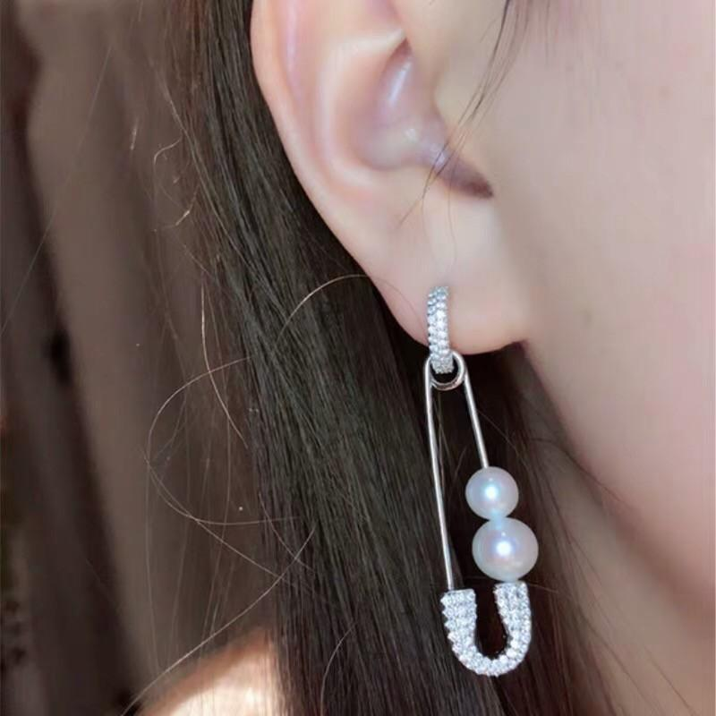 31d550d68cd9 Großhandel Damen Schmuck 2019 Frühjahr Neue Perle Ohrringe Weiblichen  Sterling Silber Kristall Diamant Personalisierte Mode Pin Von Xia8805