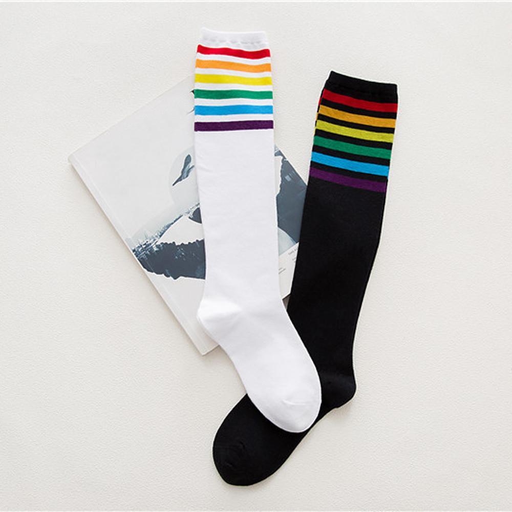 neu billig attraktiver Stil neue angebote Oberschenkel Hohe Socken über Knie Regenbogenstreifen Mädchen Fußball Sport  Socken Schwarz Weiß FEB20