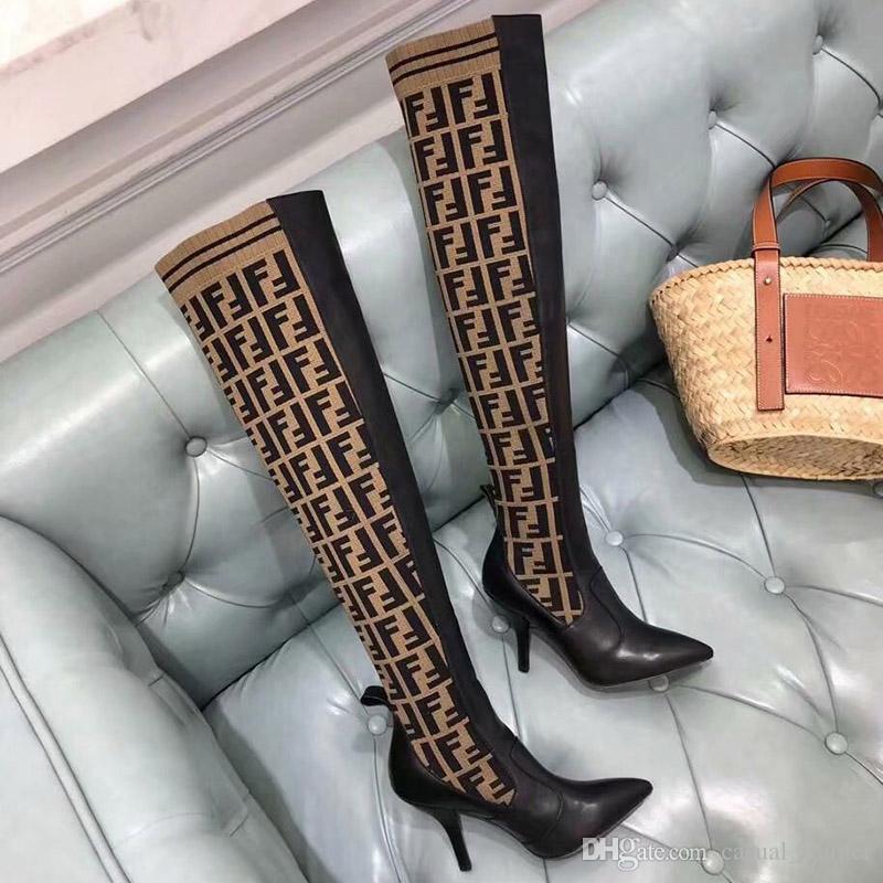 c70e372de86 Compre Nuevo Diseñador Para Mujer Marrón Cuero Negro Botas Altas Marca De  Lujo Botas De Calcetines Puntiagudos 2018 Mujeres Italia Rodilla De Moda  Con Caja ...