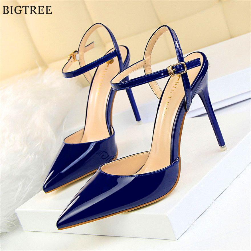 Acquista Designer Dress Shoes 2019 New Concise In Pelle Verniciata Sandali  Donne Poco Profonde Scarpe A Punta Moda Fibbia Tacchi Alti Abito Da Donna  Tacchi ... 45fd3085873