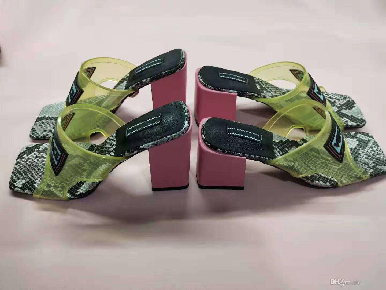 Lüks Jöle Tasarımcı Terlik PVC Şeffaf Terlik Yüksek Topuk Sandalet Slaytlar Üst Deri Kontrast Renk Serpantin Plaj kadın Ayakkabı 42