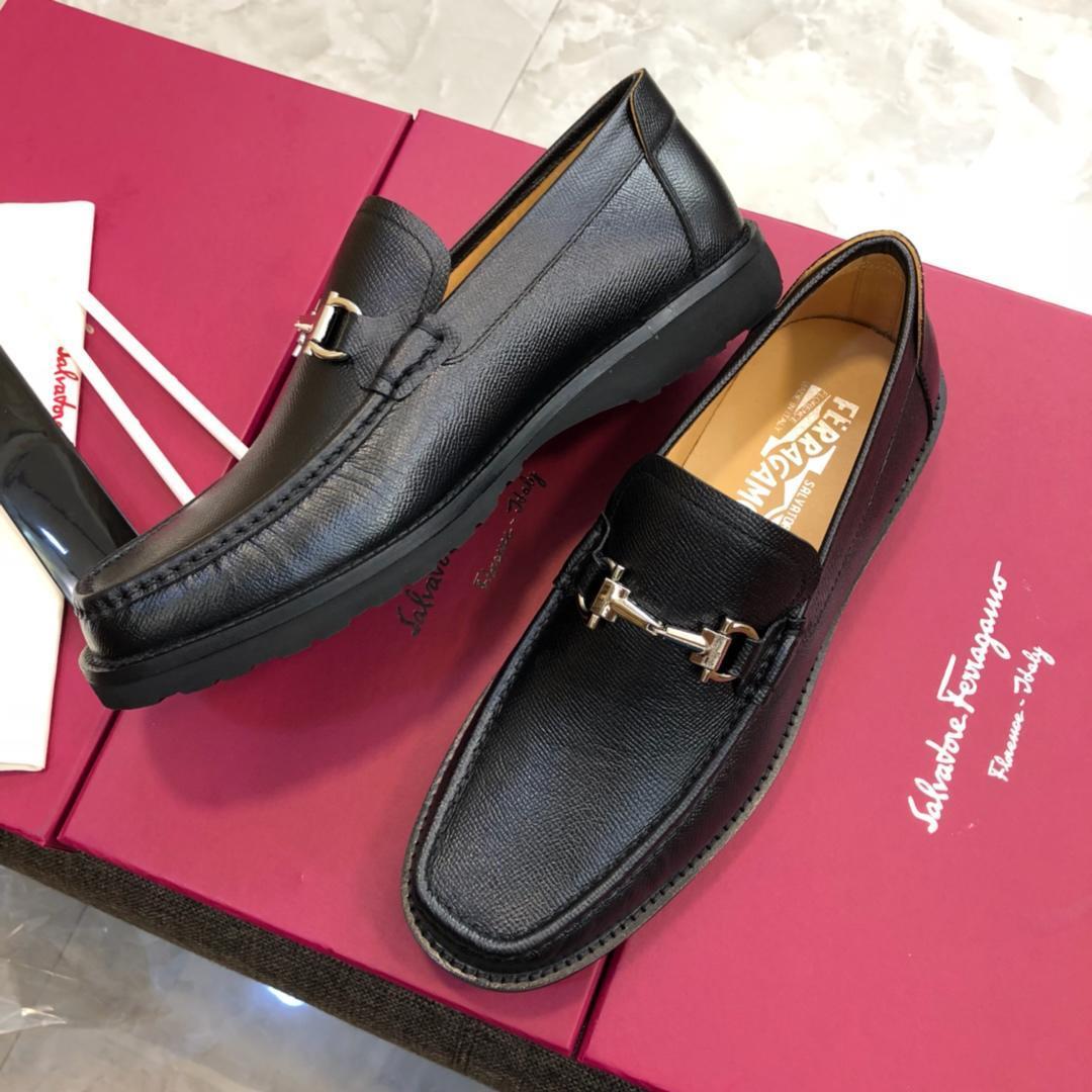 b21e50bae71 Compre Calzado De Hombre Con Zapatos De Lujo 2019 De Calidad Mocasín De  Cuero Diseñado Con Un Dedo Del Pie Alargado Envío Gratis Size38 45 Suela De  Cuero ...
