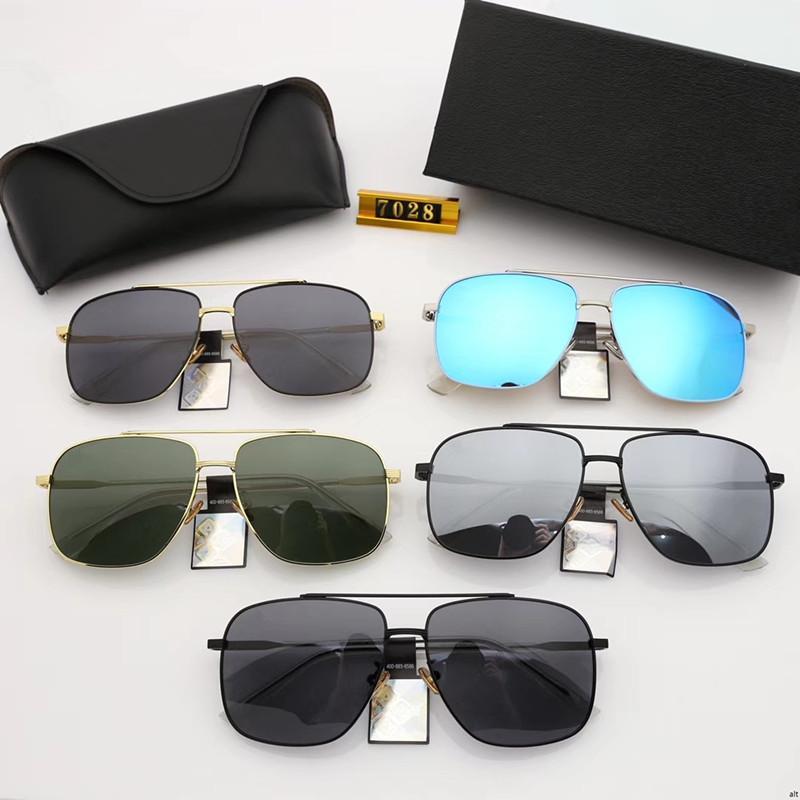 7bc8a544ad Compre Nuevas Gafas De Sol Cuadradas Polarizadas Para Hombres Que Conducen  Gafas De Sol Lentes Polarizadas De Alta Definición, Modelo De Montura  Metálica ...