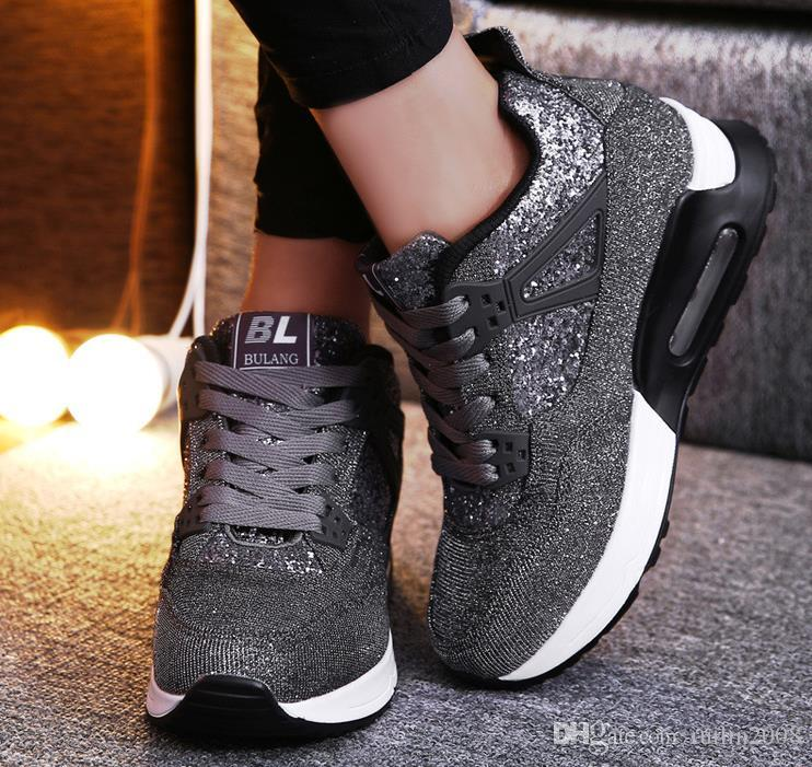 26152e630 Compre 2019 Moda Mujer Zapatos Casuales Tacón Oculto Cuña Zapatillas De  Deporte Plataforma Zapatos Otoño Altura Aumento Zapatillas Negras Para Mujer  A ...