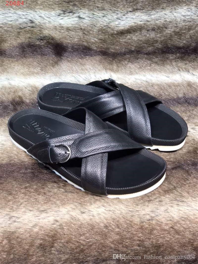cheap for discount fe522 26ead Pantofole maschili Soft Wearing Moda in pelle antiscivolo personalità  spiaggia semplice ed elegante confortevole infradito in bianco e nero