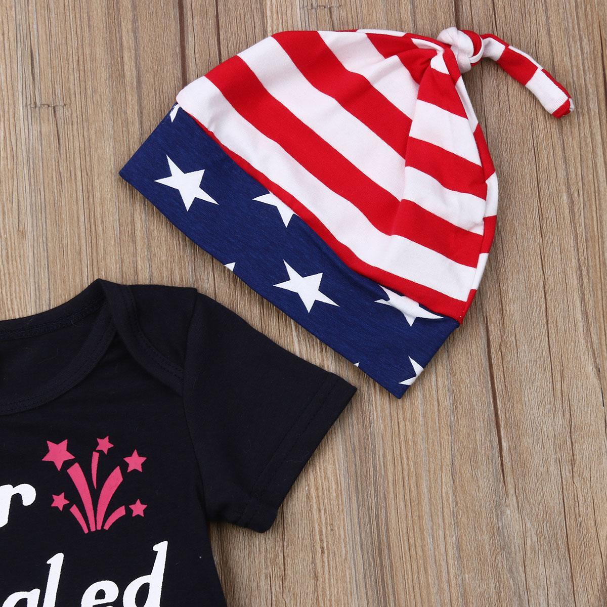 Cuarto recién nacido del bebé Niños Niño Niña de julio de rayas Estrellas top + pants Sombrero Trajes Set