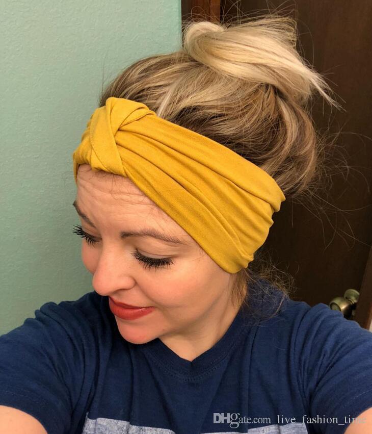 91a6287b59ff6 Großhandel Frau Stirnband Neue Turban Solide Stricken Haarbänder Mädchen  Make Up Stoff Elastisches Haarband Verdreht Verknotet Haarschmuck Headwrap  22 ...