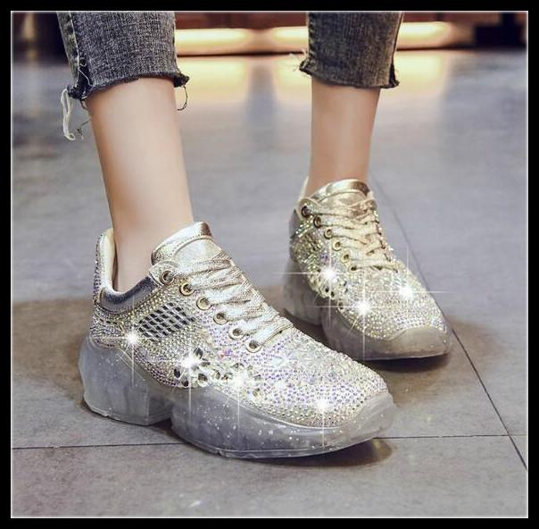 2019 spring and summer ladies news hot sale rhinestones old shoes Korean version of the wild fashion crystal shoe transparent bottom female*