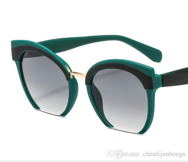827dca63be Compre Gafas De Sol Azules Gafas De Sol Para Hombres Y Mujeres Corriente De  Marea Bidireccional Gafas De Sol De Color Montura De Medio Para Hombre Y  Para ...