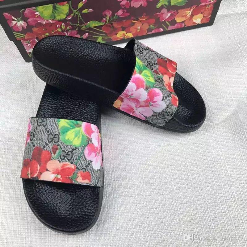 vente 35-45 haute qualité star super marque designer sandales de pointe mode sandales de style chaud sandales hommes et femmes VI64