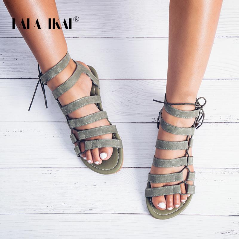 Nieten Gladiator Sandalen Frau Luxus Marke Sommer Flache Schuhe Alias Schnalle Ankle Strap Schwarz Braun Flache Sandalen Frauen 2019 Schuhe