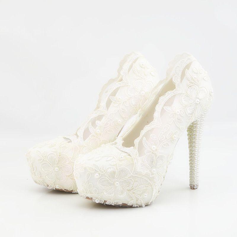 1fff43356 Compre Doce Flores Brancas, Sapatos De Salto Alto À Prova D 'Água De Mesa  De Renda, Sapatos De Casamento De Diamante, Vestido De Noiva Sapatos,  Vestido De ...