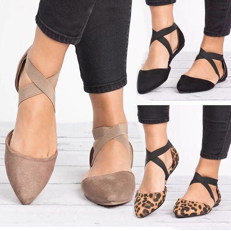 Compre 2019 Primavera Novo Tamanho Grande Sapatos Femininos Código Fora  Único Sapatos Modelos De Explosão 43 Metros De Cross Country Flanela Sapatos  ... 1e1989910a048