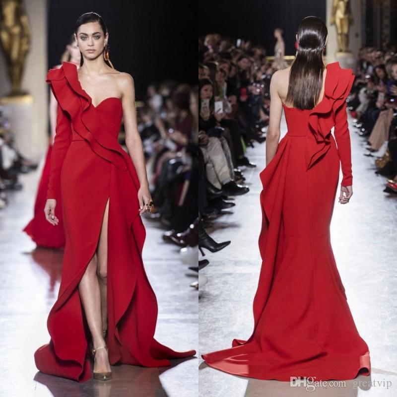 82efbbb9a Elie Saab 2019 Rojo Vestidos largos de noche Un hombro Manga larga Satén  Ruffle Side Split Vestidos de baile Más del tamaño Vestido de fiesta de ...