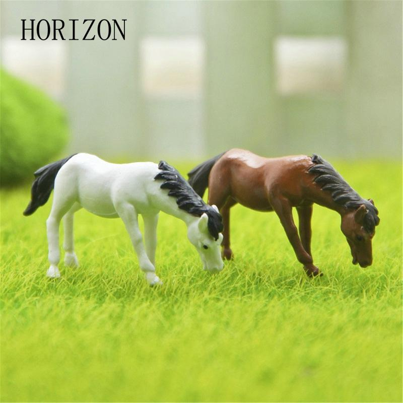figurine angel 2PCs/set Horse family pack Simulation model Animals kids toys Mini Gnomes Moss Terrariums Resin Figurines Decoration