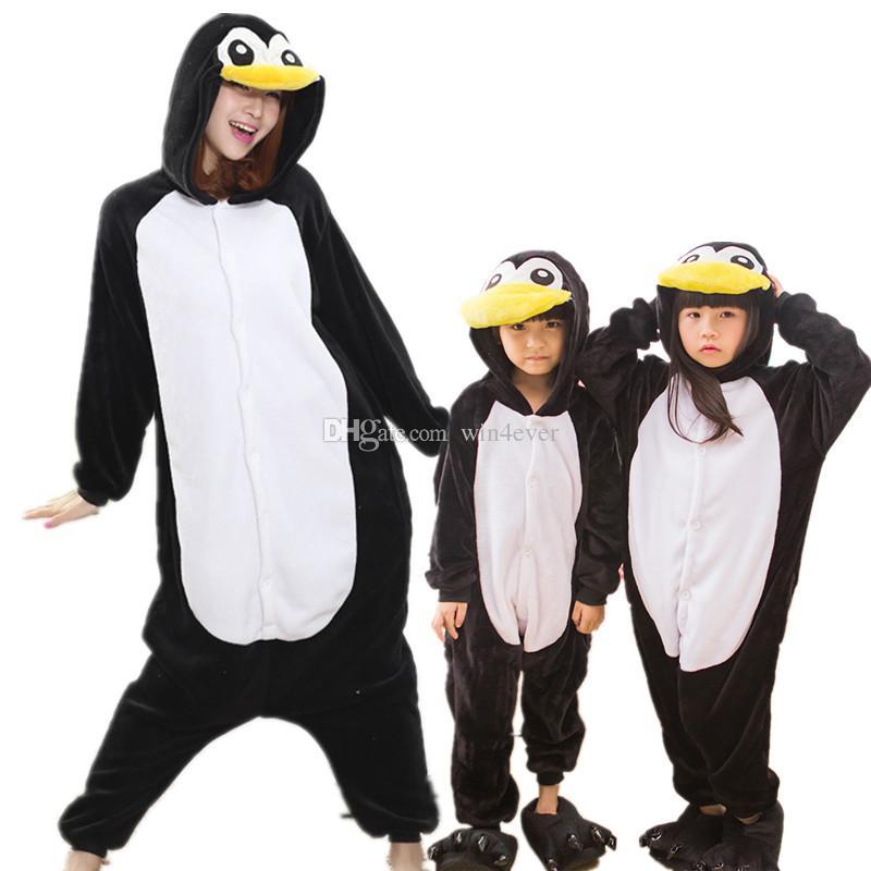 adf6e91ff8 Compre Pingüino Negro Niños Adultos Pijamas De Invierno Traje De Anime De Franela  Cosplay Pijamas De Dibujos Animados Mono De Carnaval De Halloween ...