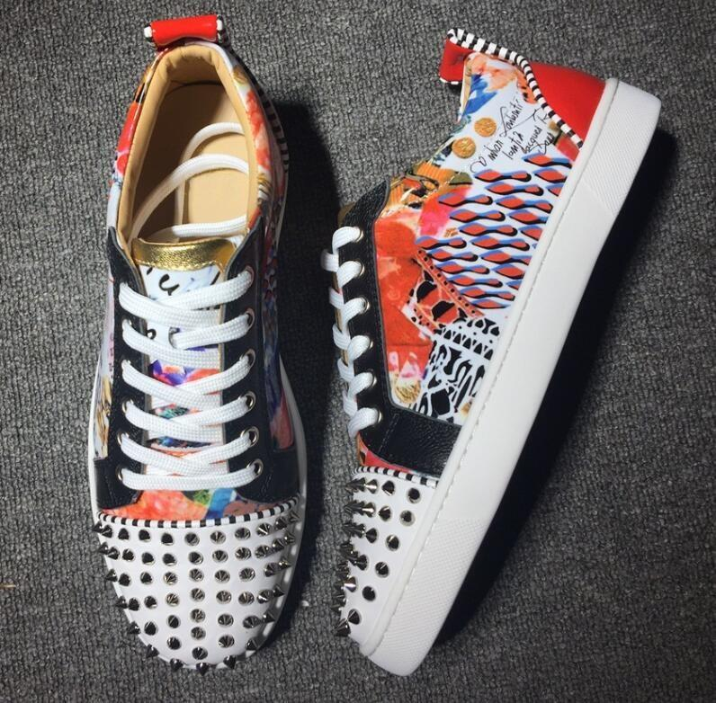 2019 Brand Designer Luxury Mens Red Bottoms Shoes Studded Spikes Low Flats Casual Sneakers For Men Wedding Party Dress Leather w026