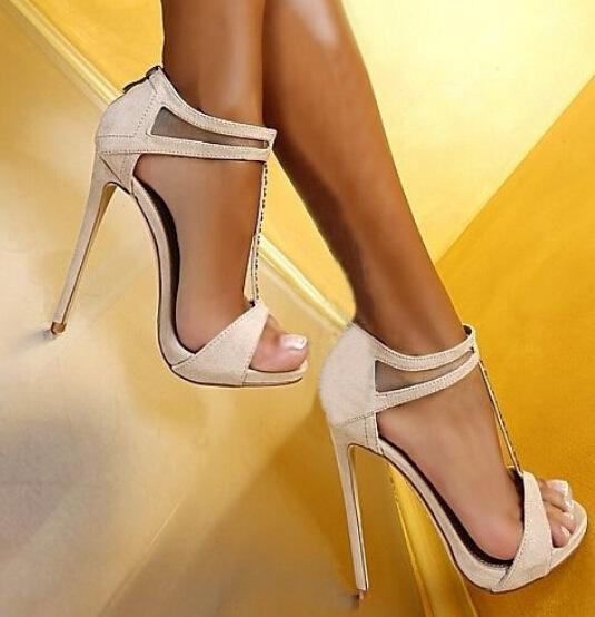 Compre 2018 Nueva Moda Sandalias Atractivas Clásicas Súper Zapatos De Tacón  Alto Zapatos De Boda De Mujer Zapatos De Fiesta De Moda Zapatos De Señora  De ... 496e119f98fc