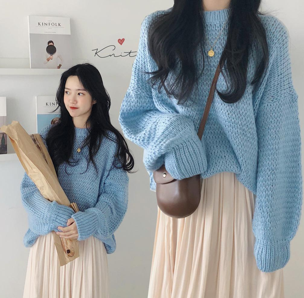 4fc9c8b6fe5 2019 spring and autumn new women s loose hollow-out blue knitted sweater +  beige pleated skirt student casual two-piece set