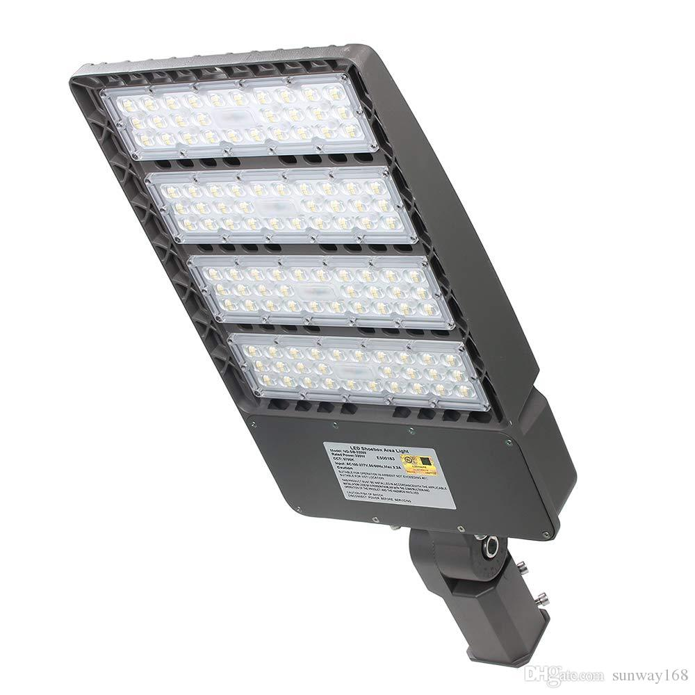 Us stock led parking lot lights 300w 39000lm led shoebox pole lights fixture with photocell 5000k ip65 ac 100 277v