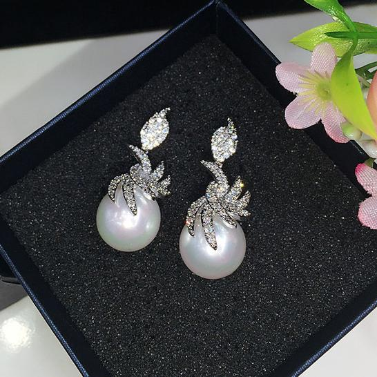 shell pearl earrings luxury crystal zircon and shell pearl earrings ,made from original Korean factory wedding accessories