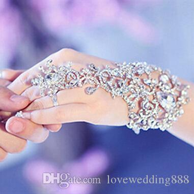 In Stock 2019 Sparkly Fingerless Crystal Flower Bridal Hand Chain Women Dancing Hand Bracelet & Bangles Jewelry Bridal Wedding Accessories