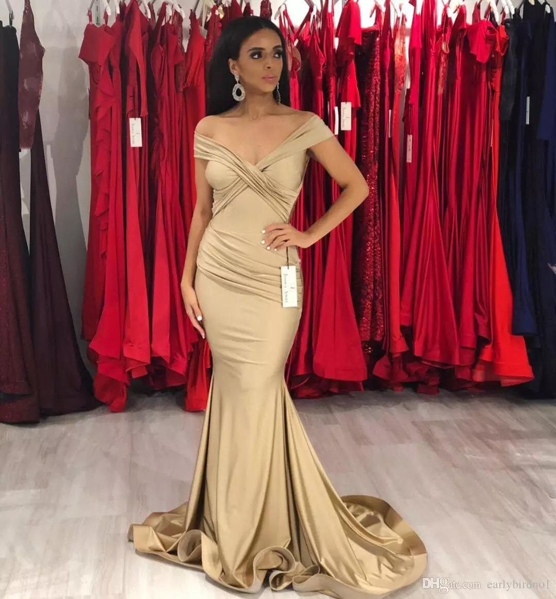e7a920c950 Compre 2019 Nuevos Y Elegantes Vestidos De Graduación En Forma De Sirena  Dorados