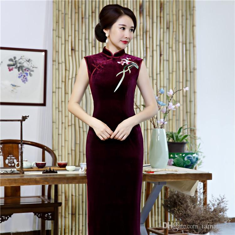 162e70db89f5 Vestidos Madrinha Elegante Simples Plus Size Sem Mangas De Veludo Bordado  Vinho Vermelho / Azul / Preto / Verde Longo Cheongsam Vestido De Noiva  Vestido De ...