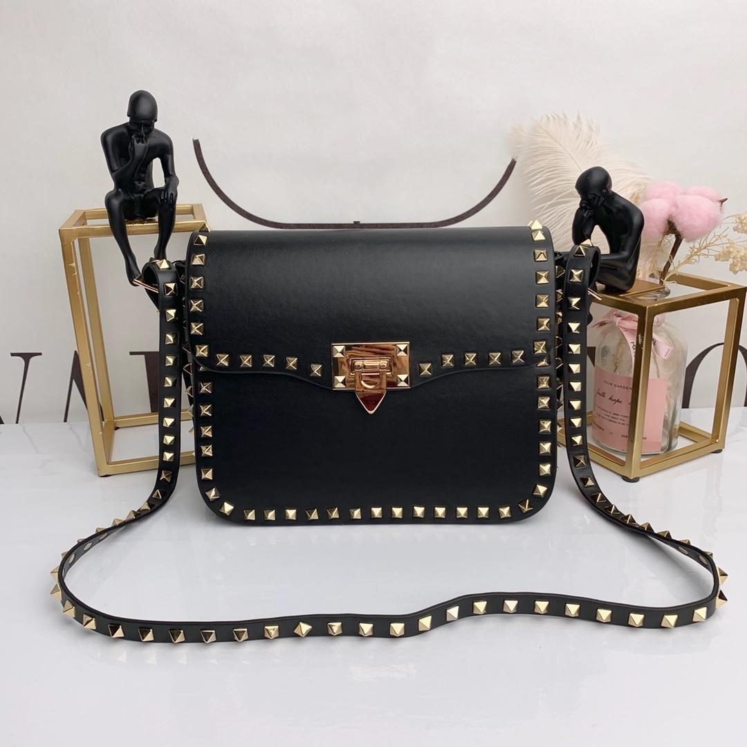 f215602aa1bd 2018 Women Handbag Fashion Rivet Hot Sell Brand V Ladies Rivet Lambskin  Genuine Leather Bags Woman Shoulder Bags Real Leather Handbags Leather Bags  For Men ...