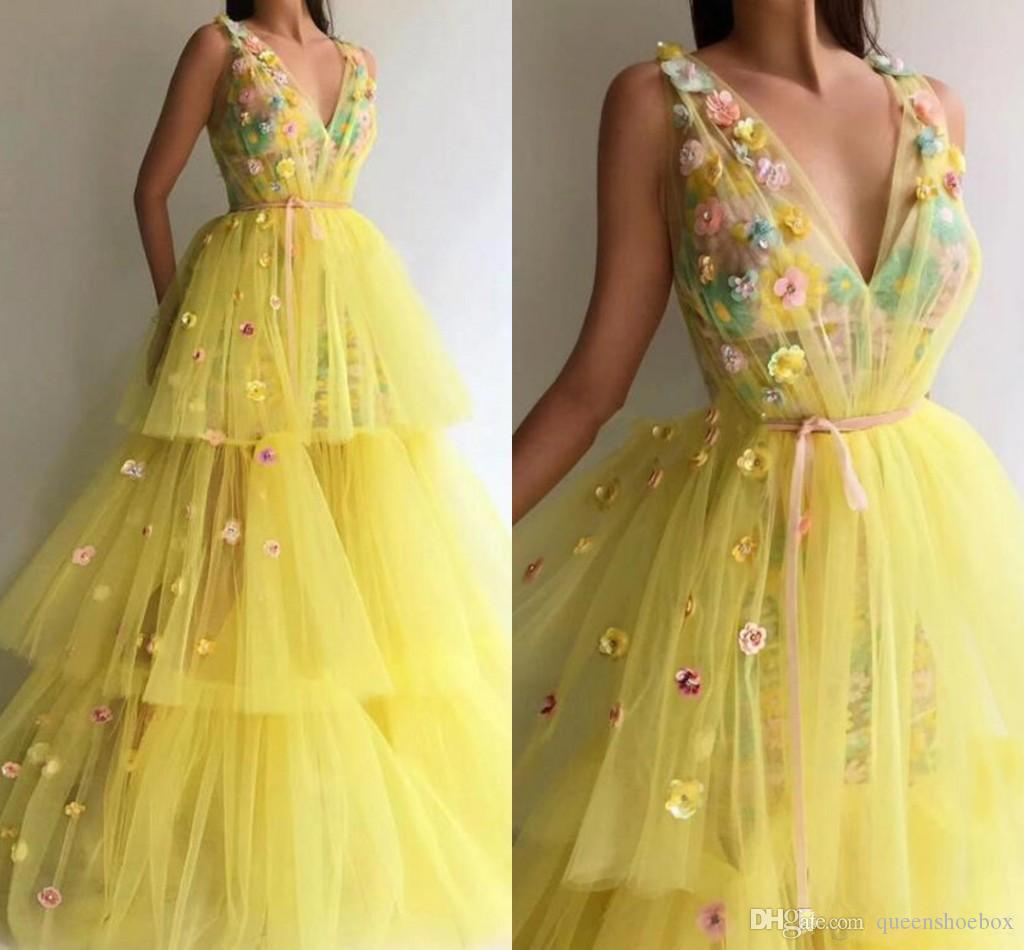 2019 Yellow Princess Prom Dresses Sexy Deep V Neck Tiered Cake Skirts Handmade Flowers Girls Pageant Gowns Party Wear Tulle Evening Dress