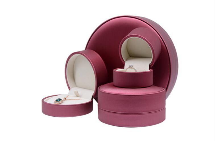 Wholesale New semi-circular drawing jewelry packaging box in PU leather jewelry box for ring necklace bracelet
