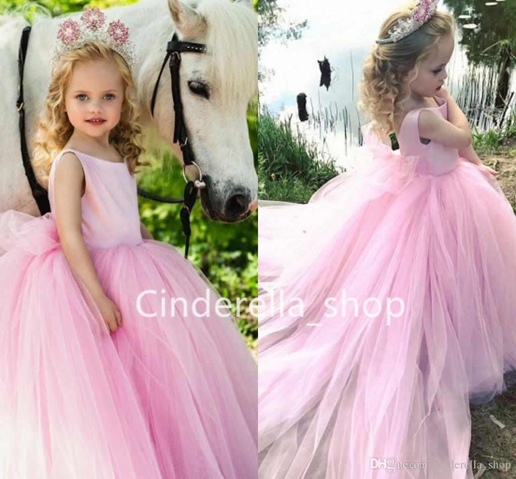 79241378b Compre Vestidos De Bola De Tul Rosa Vestidos De Las Niñas De Flores 2019  Con Tren Largo Puffy Vestido De Ocasión Para Niños Con Arco Vestido De  Desfile De ...