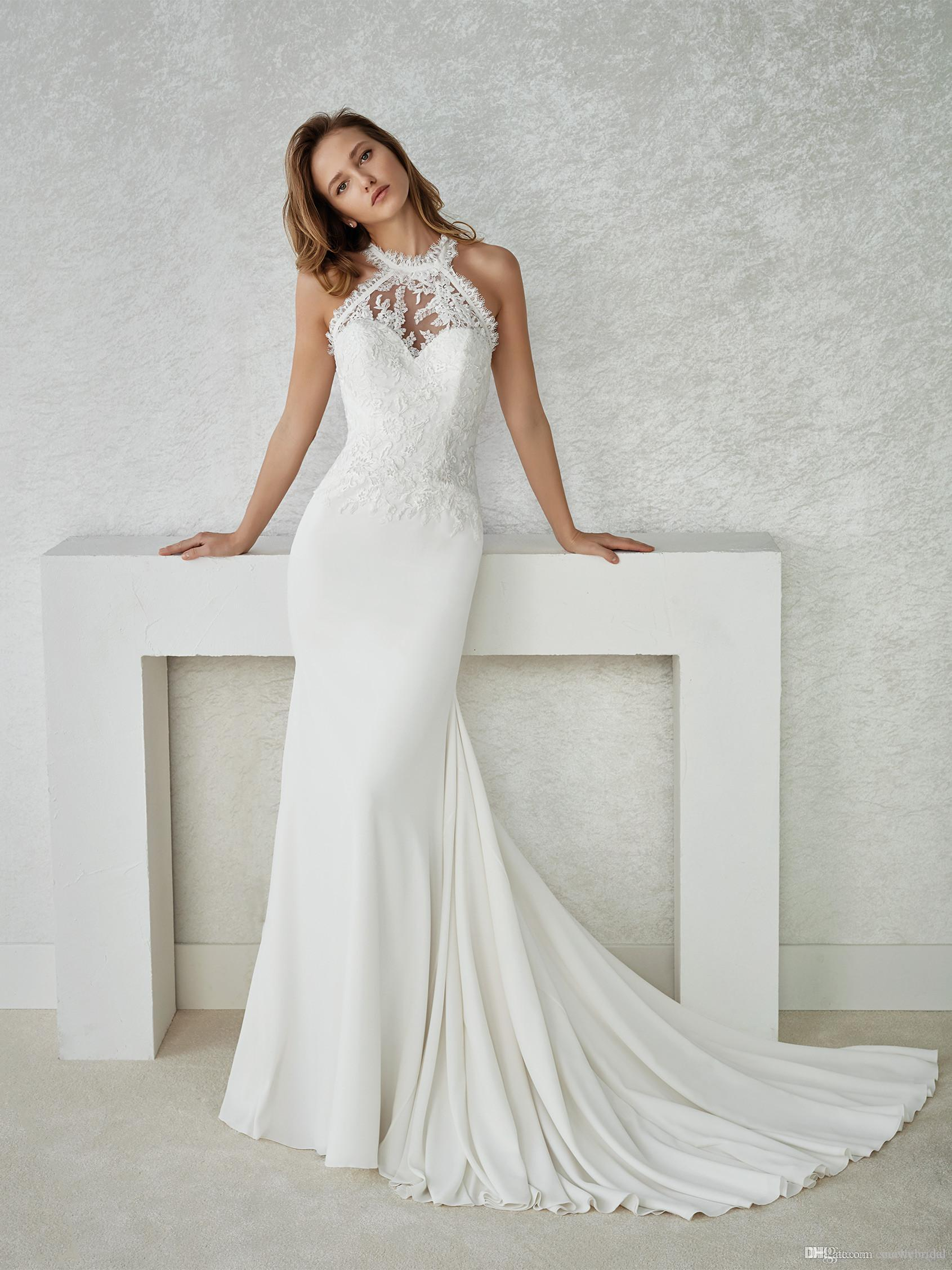 2019 Halter Mermaid Long Wedding Dress Sleeveless Buttons Back Lace Informal Reception Wedding Gowns Beach Bridal Dress Sale