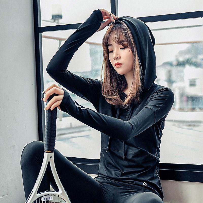 2019 Net capuchon rouge Fitness Sports Fashion Slim Fit manteau Mèche à séchage rapide vêtements de yoga manches longues Hauts T-Shirt Femme