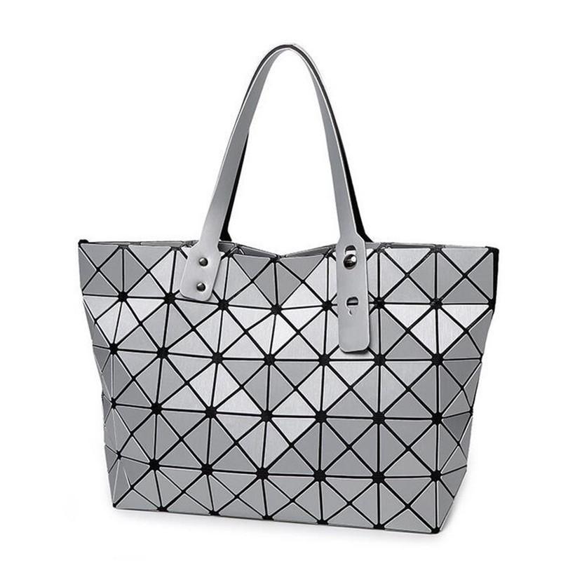 6e530c35223b 2018 Hot Sale Fashion Women Bag Handbag Geometric Rhombus Ladies Bags  Popular Women Messenger Bao Bags Famous Design Silver