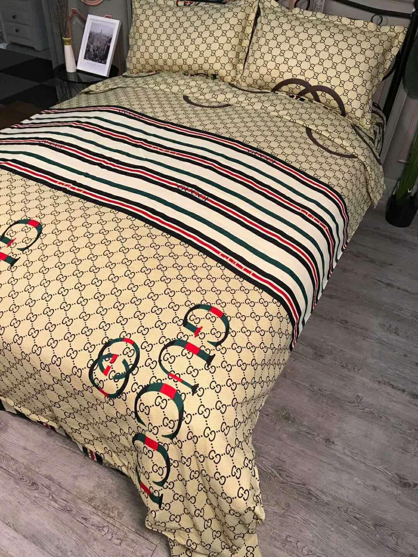 Brand Design Letter Home Bedding Set Bed Sheets Bed Comforters Set Queen King Sizze Bedding Duvet Cover Bed Sheet