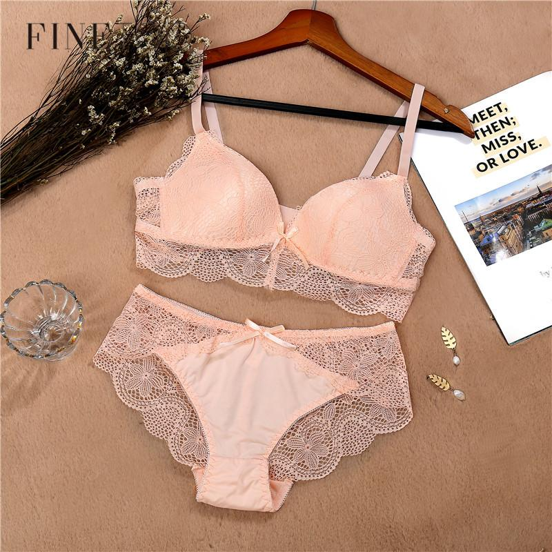 2019 Lace Bra Set For Women Comfort Wireless Bra Sexy Lingerie Set Fashion  Female Wire Free Floral Underwear Suit Cotton Girls Panty From Liumeiwan 7cbb4bb00